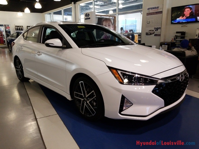 Hyundai Of Louisville >> New 2019 Hyundai Elantra Sport 4d Sedan In Louisville 8h19342